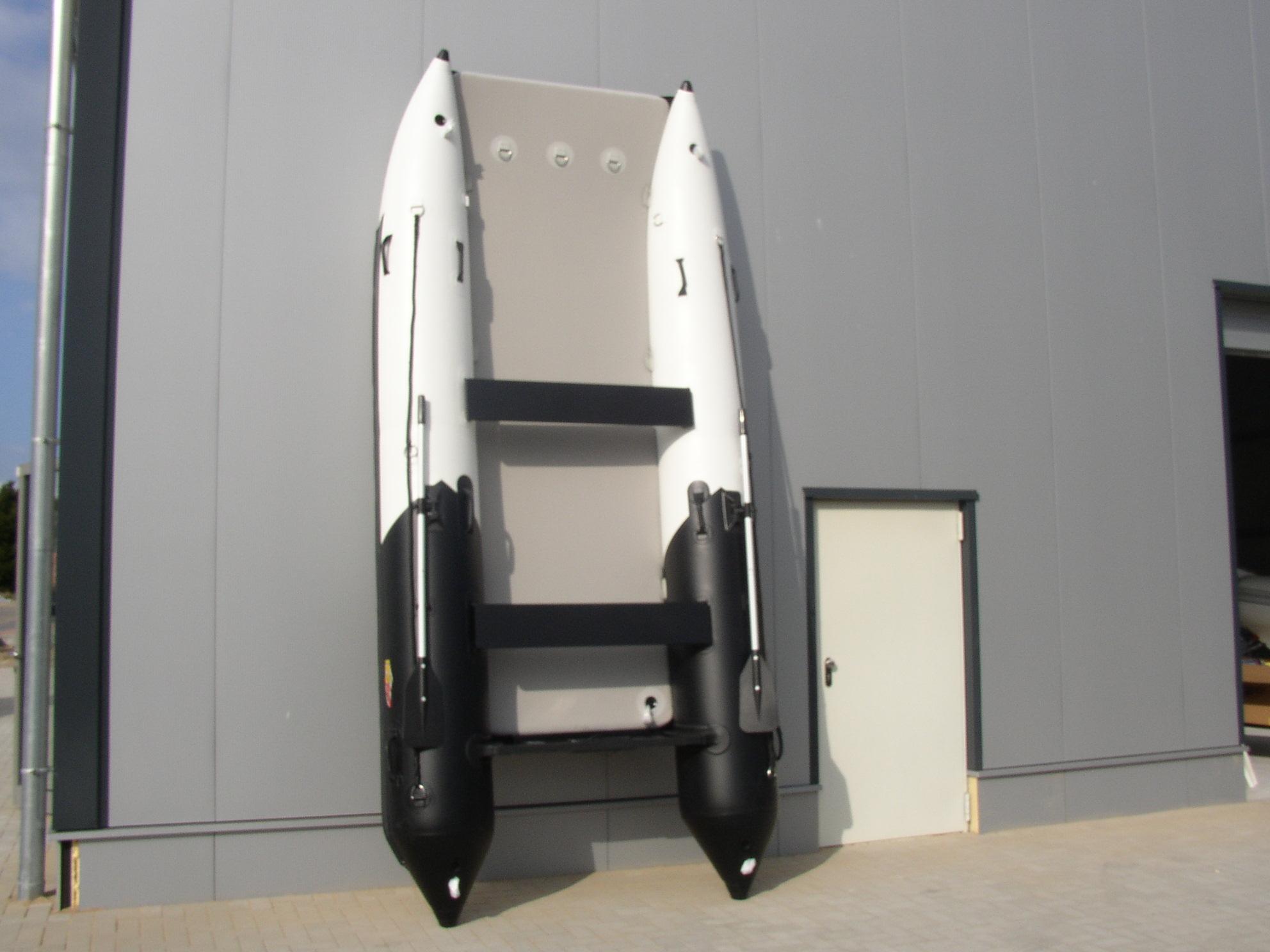 Schlauchboot HPS-Cat 420 Schwarz / Rot !Neu jetzt mit beschichteten GFK Spiegel !